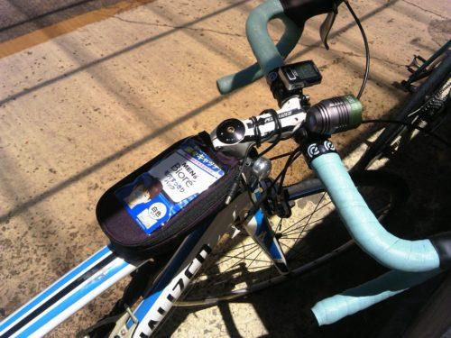 トップチューブバッグ ロードバイクに取り付け