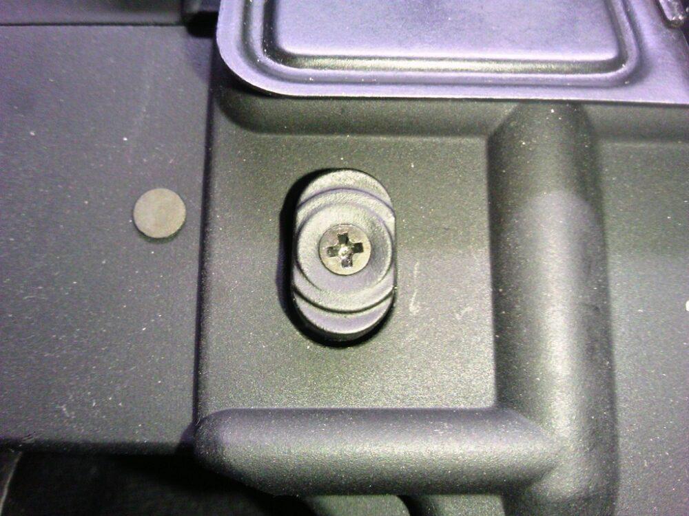 M4A1 マガジンリリースボタン