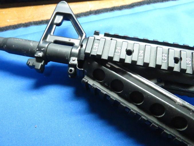M4A1 ロアハンドガードの組み込み