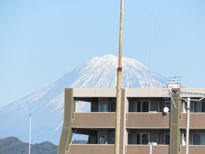 静岡旅日記 2016年1月1日 ホテルの窓からの富士山