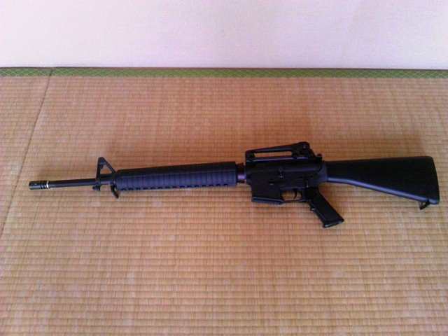 FN M16A4 キャリングハンドル装着
