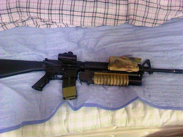 M16A4とM203とPEQ-2