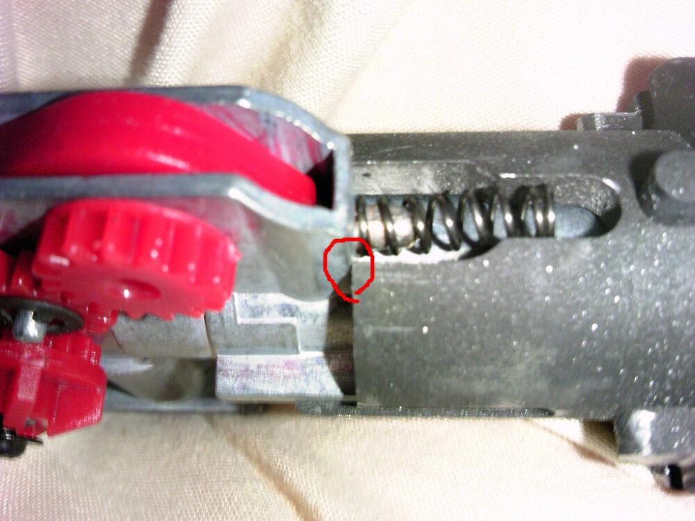 M4A1 バレルの隙間の原因