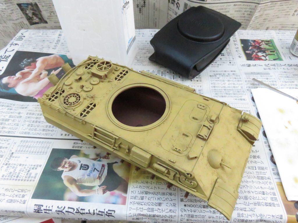 ケーリアン 車体 ダークイエロー塗装