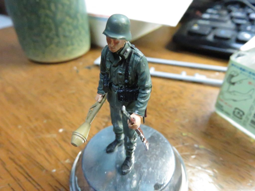 german-soldier-figure5