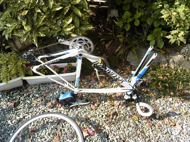 ロードバイク 掃除 タイヤを外す5