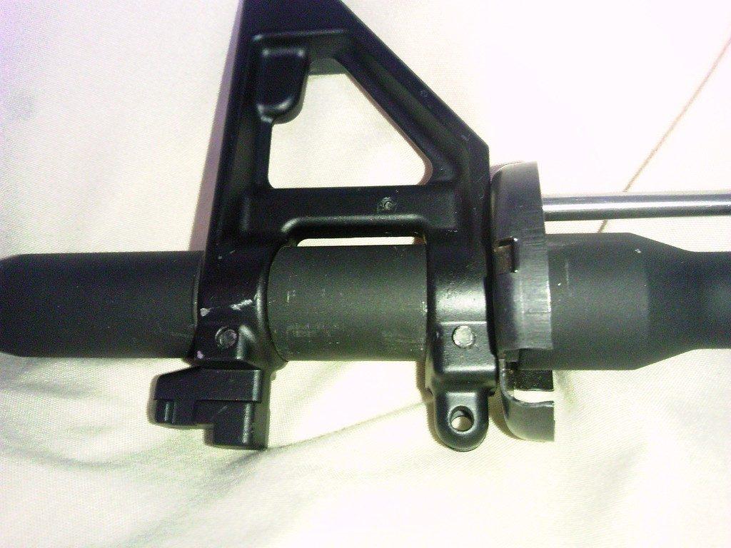 イーグル模型 M16フロントサイト 装着