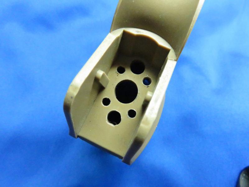 King Arms G27タイプピストルグリップ 配線及び固定用の穴
