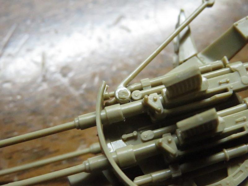 メーベルワーゲン試作型 Flakvierling38 砲身と照準器の連動2