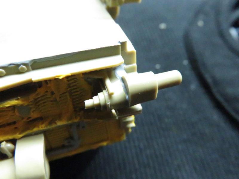 メーベルワーゲン試作型 誘導輪基部の隙間埋め2
