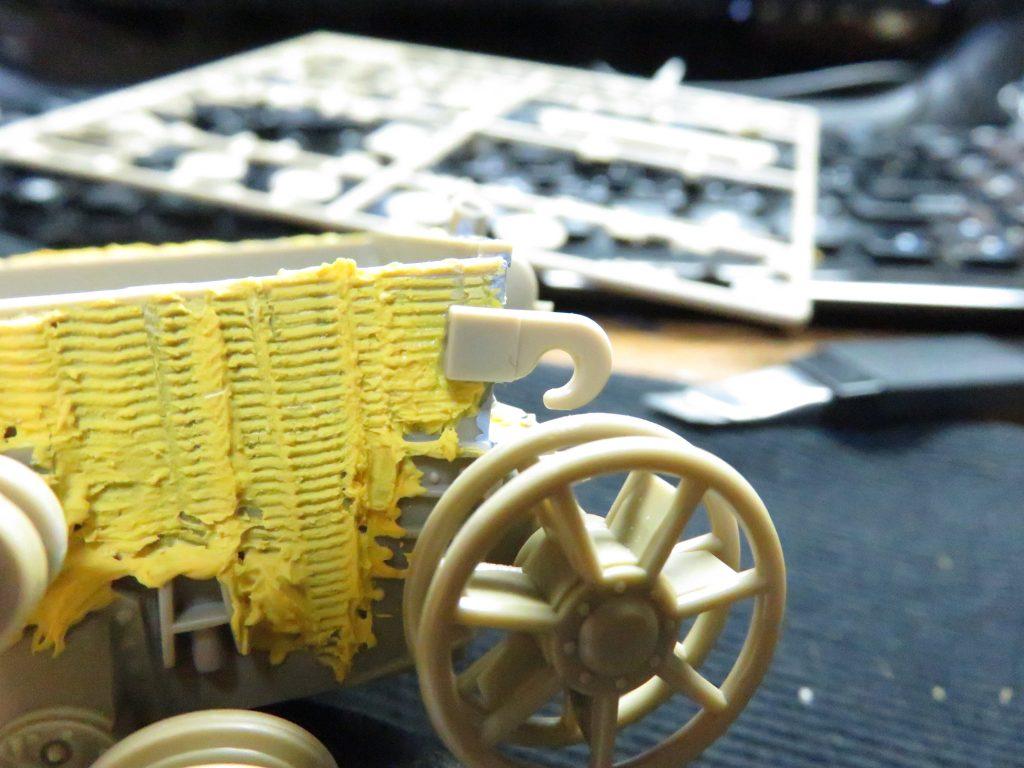 メーベルワーゲン試作型 誘導輪の上のフック