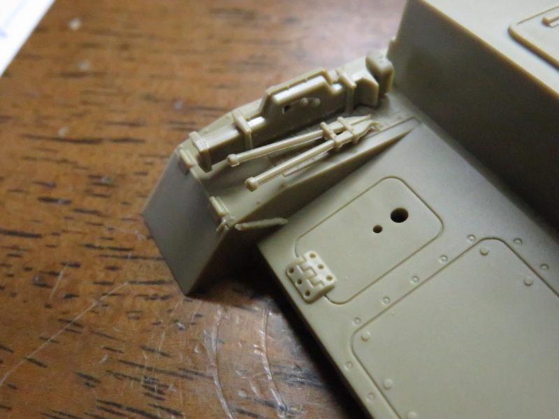 メーベルワーゲン試作型 リアフェンダー右側のOVM
