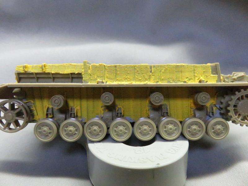 メーベルワーゲン試作型 上下車体の結合