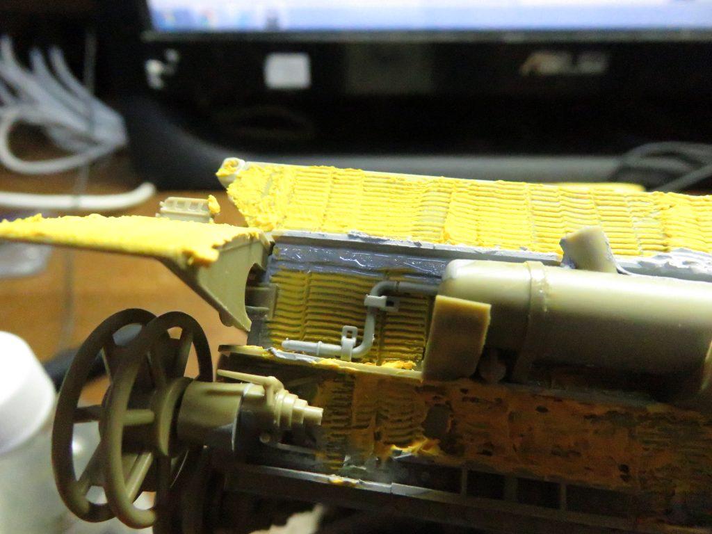 メーベルワーゲン試作型 後部のツィメリットコーティング及び隙間埋め