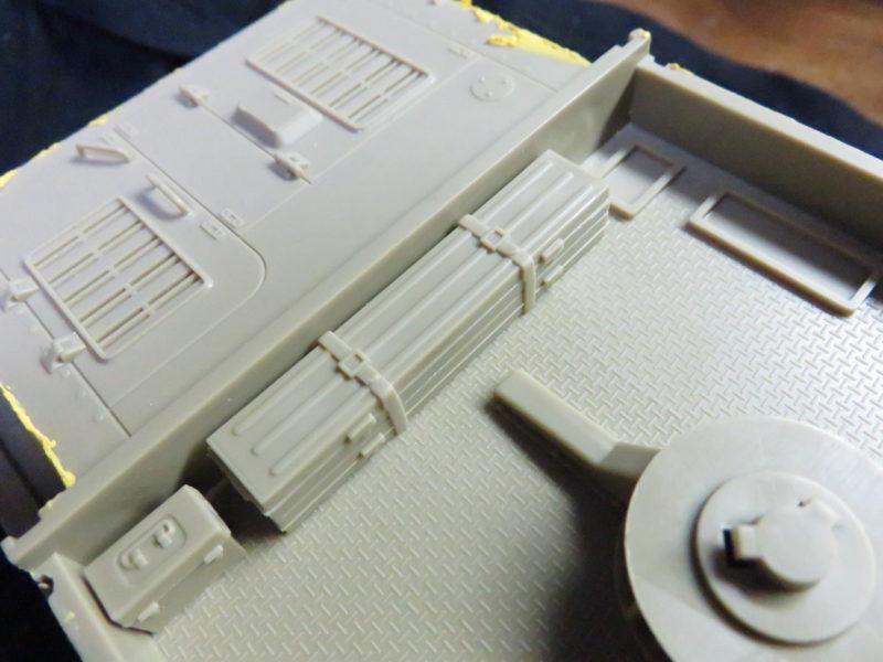 メーベルワーゲン試作型 車体上部 予備砲身ケース