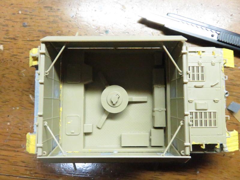 メーベルワーゲン試作型 装甲板固定フック 走行時