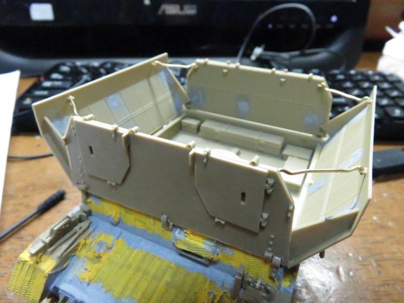 メーベルワーゲン試作型 装甲板固定フック 対空射撃時