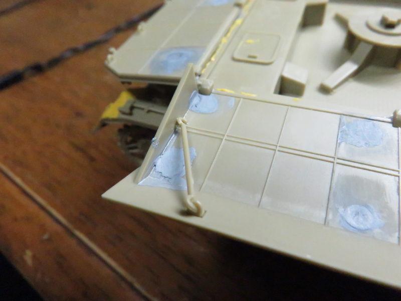 メーベルワーゲン試作型 装甲板固定フック 水平射撃時