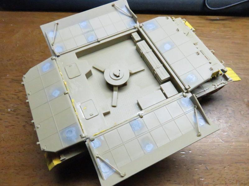 メーベルワーゲン試作型 装甲板固定フック 水平射撃時2