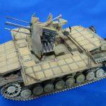 戦車模型は汚してナンボ。ウェザリングで「メーベルワーゲン」に使用感を出します。