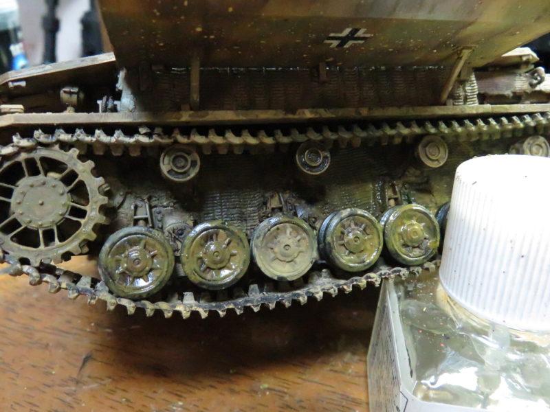 メーベルワーゲン試作型 履帯と転輪の泥汚れ4