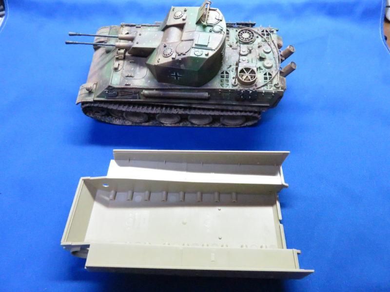 タミヤ タイガーI型 後期生産型 車体下部シャーシ 大きさ比較