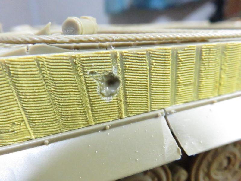 ティガーI後期型 装甲板のバトルダメージ2