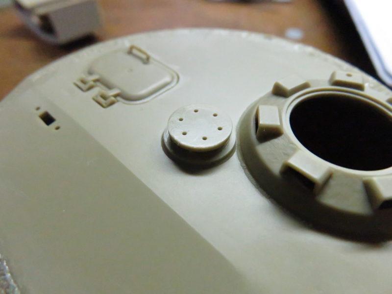 ティーガーI後期型 砲塔上面 細かいパーツの取り付け ベンチレーター