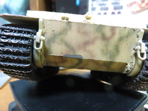 ティーガー1 被弾痕の塗装 ツィメリットコーティングの剥がれ