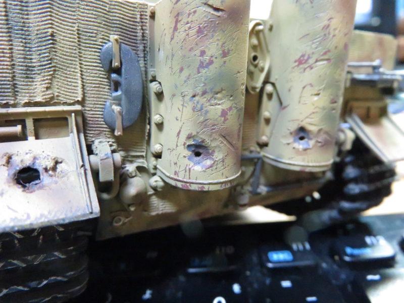 ティーガー1 被弾痕の塗装 マフラーカバー