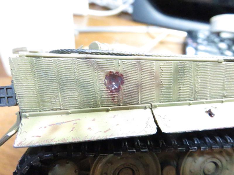 ティーガー1 被弾痕の塗装 車体側面2