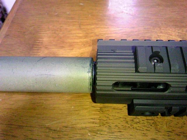 Madbull VTAC Extreme BattleRail13 ハイダー・サプレッサーの装着例3