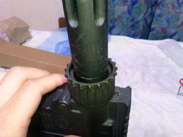 Madbull VTAC Extreme BattleRail13 銃本体へ取り付け3