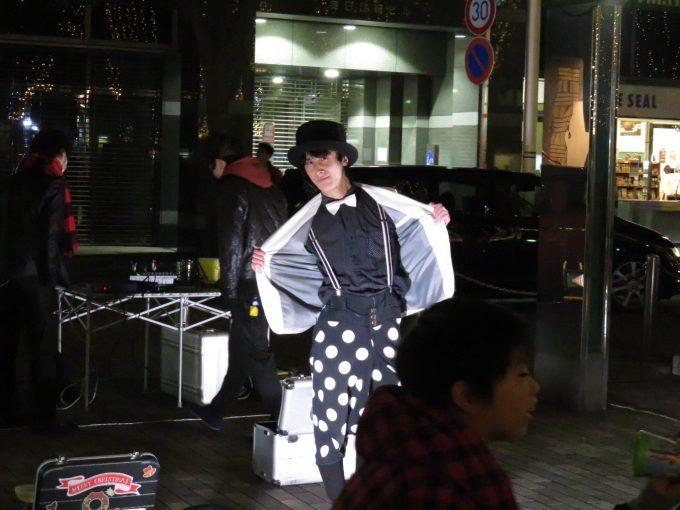 青葉イベント広場の大道芸人