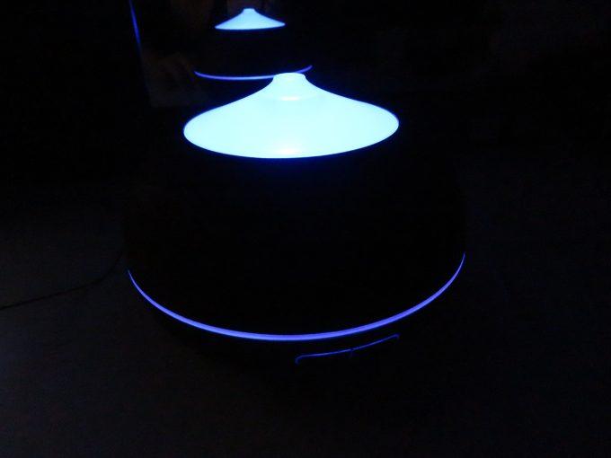 Tenswall 超音波式 アロマディフューザー加湿器 発光例2