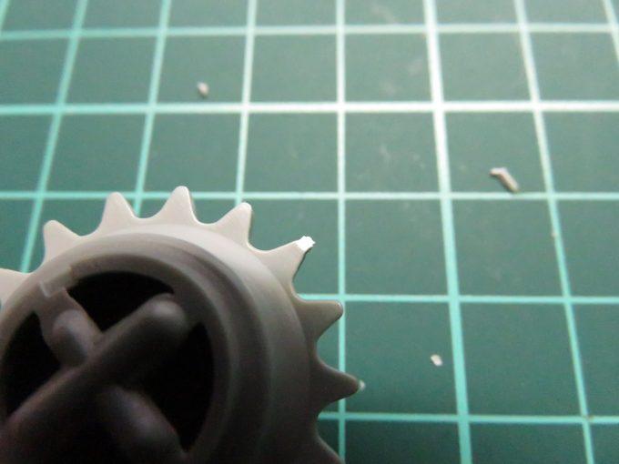 マウス 起動輪の組み立て ゲート処理