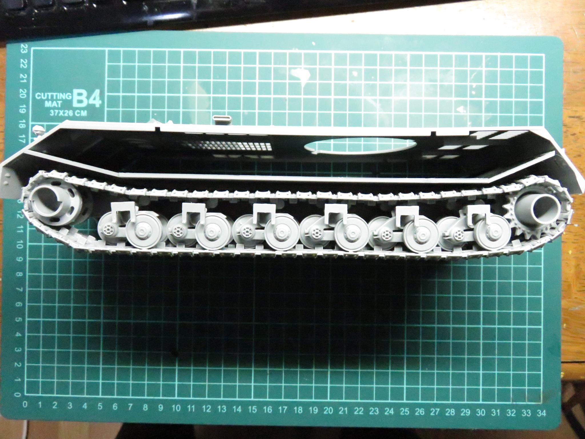超重戦車マウス 車体の結合