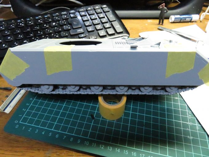 超重戦車マウス 車体の結合 側面装甲板の仮組み