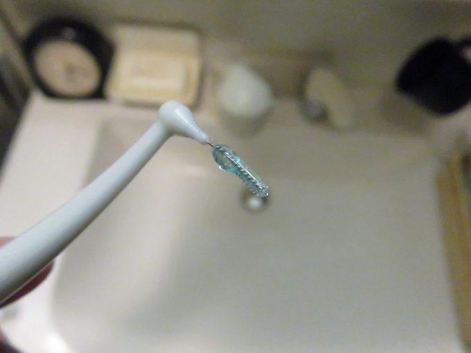 システマ 薬用歯間用ジェル 歯間ブラシに塗る