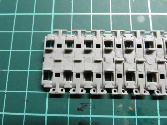 マウス 連結式履帯 組み立て3