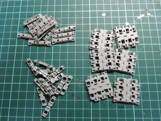 マウス 連結式履帯の整形