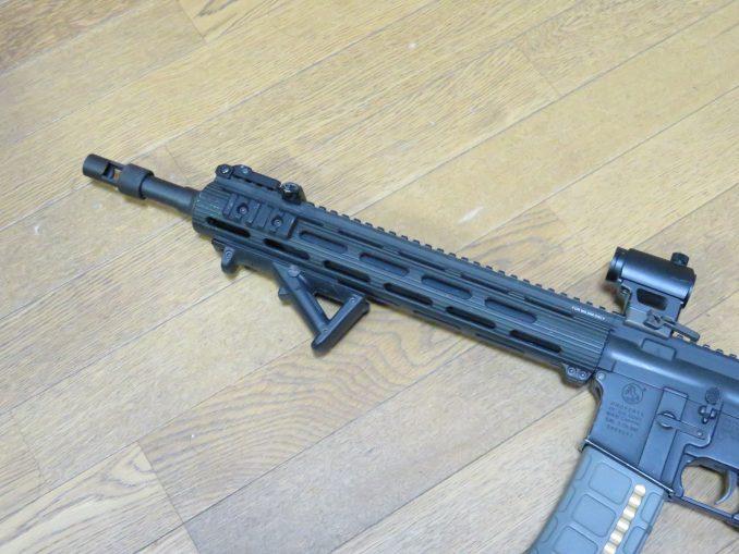M4へのAFG2装着例