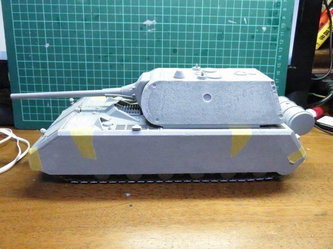 超重戦車マウス 側面装甲板の取り付け
