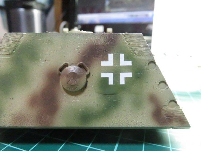 超重戦車マウス 国籍マークのデカール 砲塔後部へ貼り付け