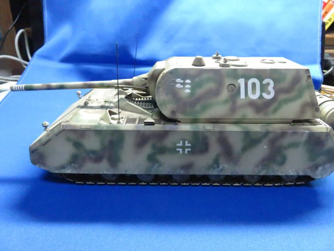 超重戦車マウス 左側面