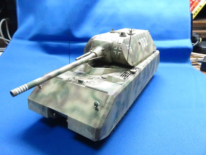 超重戦車マウス 左斜め前