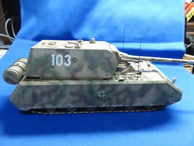 超重戦車マウス 右側面