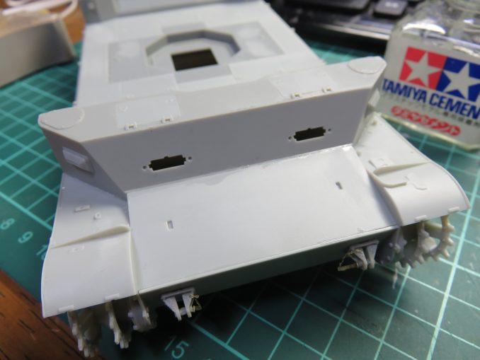 フラックワーゲン 前面装甲板 車体前面パーツの取り付け