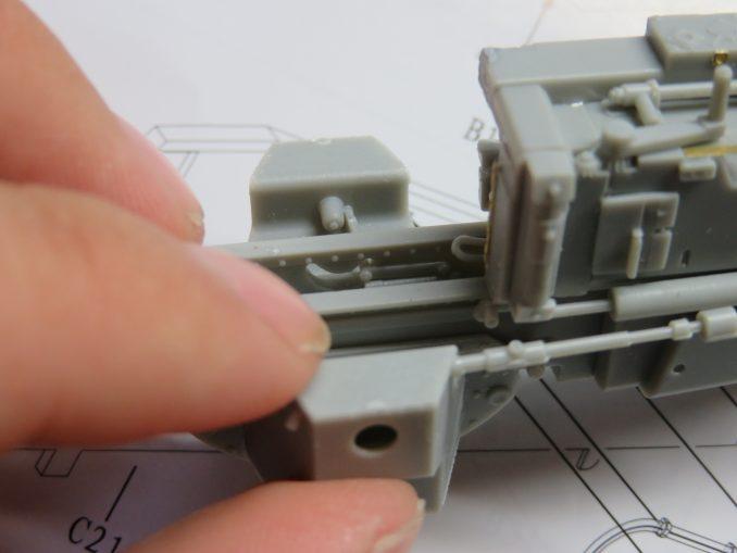 フラックワーゲン Flak41揺架後端のパーツ取り付け7