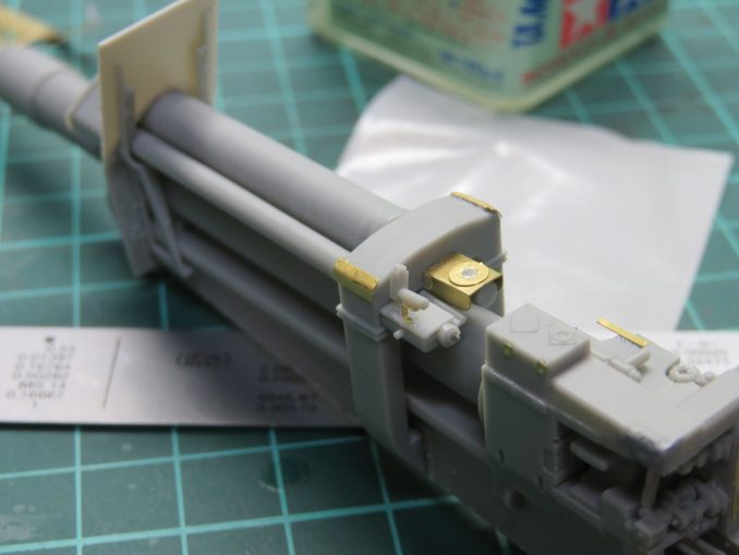 フラックワーゲン Flak41揺架後端のパーツ取り付け10